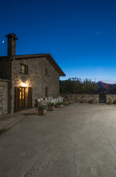 Rural accommodation, rural house for holiday rental in the mountains, farmhouse with pool for rural tourism